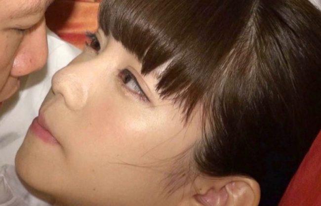 入社一年目の美少女が初のAV撮影にチャレンジ!涙を浮かべながら感じる姿をハメ撮りセックスw