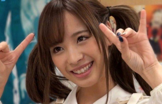 『もうだめぇぇいくっ』激カワ美女のお姉さんがエッチなコスプレ撮影会!カメラマンのチンコをフェラする姿を激写w