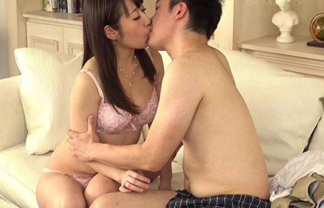 〔モニタリング〕キスだけ男女は恋に落ちるか実証実験!激しく混じり合う男女の節句をハメ撮りセックスw