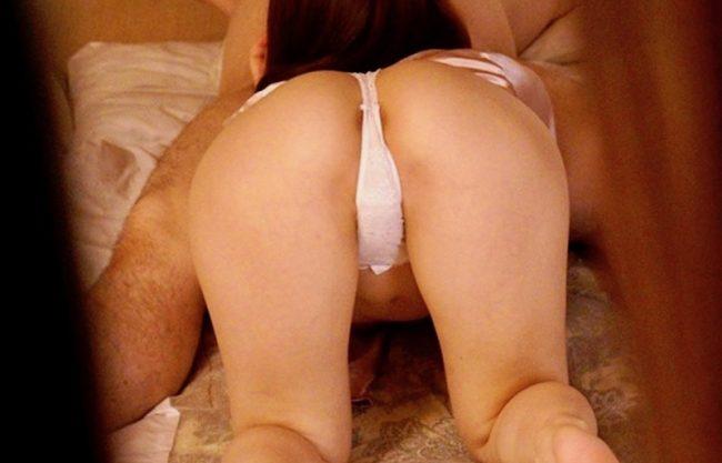 〔人妻×ドラマ〕Tバック姿の淫乱痴女の美人妻wエッチなご奉仕する姿を激写wNTRセックスをハメ撮りw