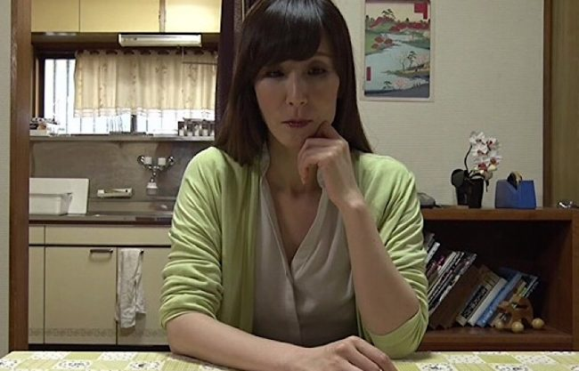 【熟女ドラマ】熟女妻の不倫を描いたエロスドラマw主婦が不貞行為の密会する姿を激写!
