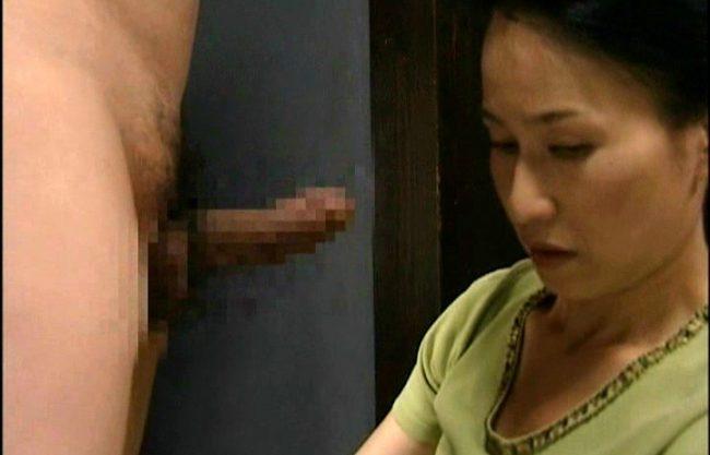 【ヘンリー塚本】主婦のエッチな姿を撮影wおばさんのNTRセックスを激写w