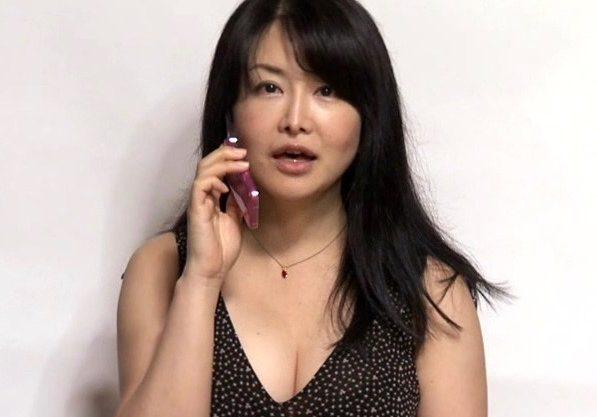 人妻不貞相談室!熟女妻の淫乱痴女のセックスをハメ撮りしたエロスドラマw