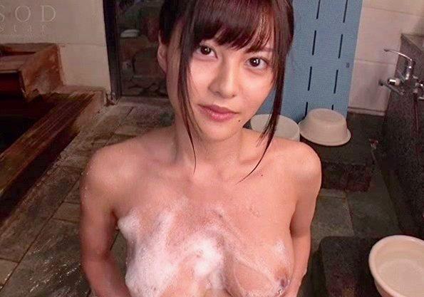 【松岡ちな】爆乳美女と温泉旅行!ドキドキワクワクのエッチ行為を撮影w